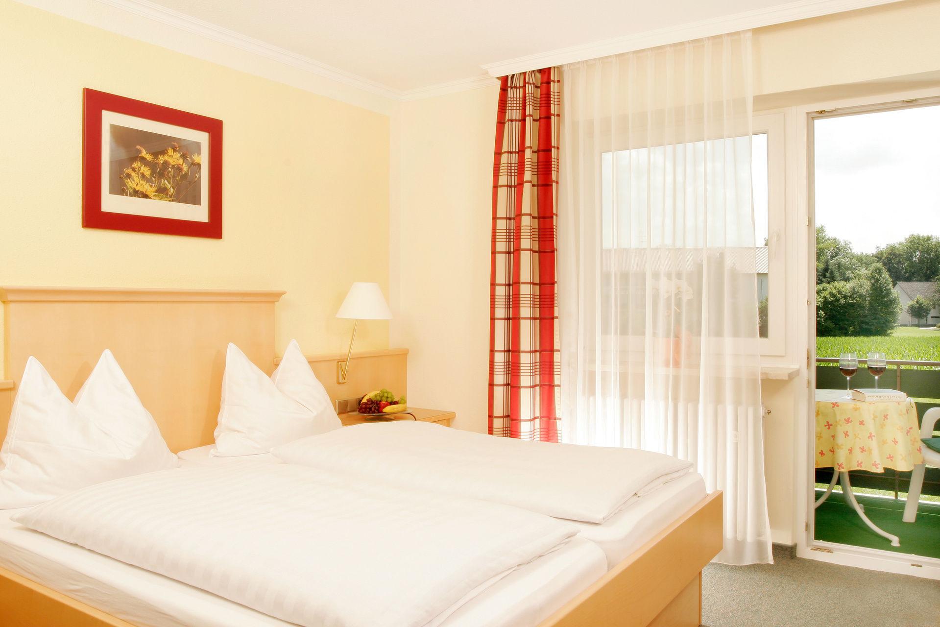Kleiner Zimmer Kühlschrank : Hotel kleiner könig schwangau zweibett zimmer